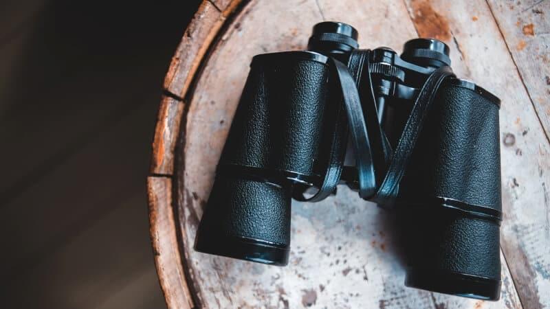 Binocular on top of a barrel