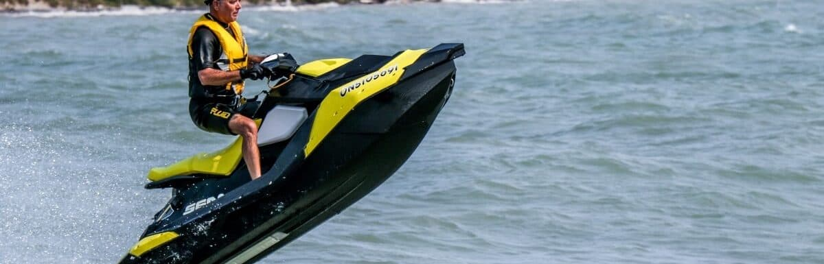 How many hours does a jet ski engine last