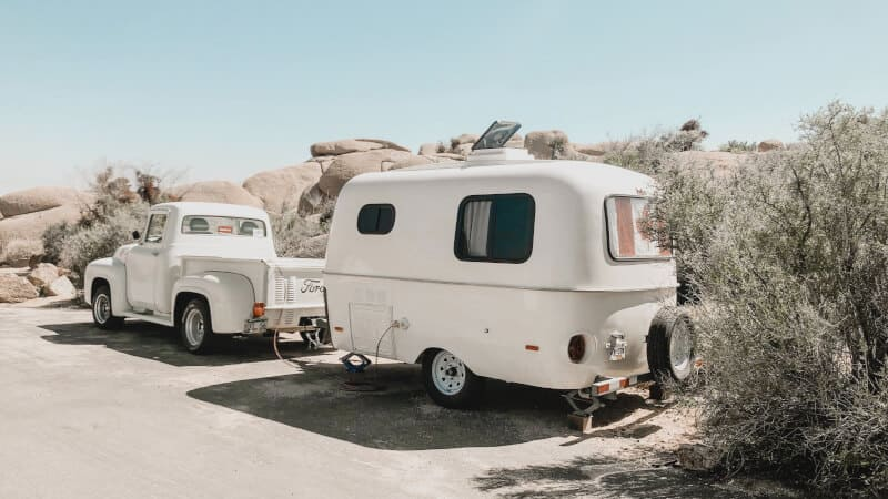 rv clamped to car